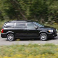 : Chrysler Grand Voyager сбоку
